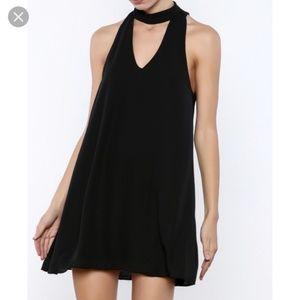 Flowly black dress with choker
